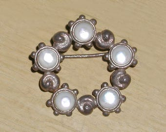 Fine English Hallmarked Sterling Silver Shell Mother of Pearl Opaline Glass Cabochon Nouveau Brooch Pin