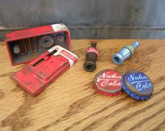 Fallout Miniature Nuka Cola Machine with Nuka Cola Caps & Quantum bottles
