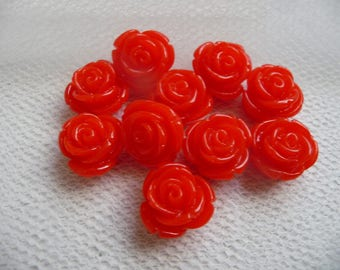 Set of 10 beads in red color resin flower cabochons