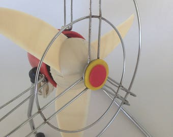 Vintage electric fan, red and white from 60s, 3 blade desk fan, 1960s electric fan, working fan