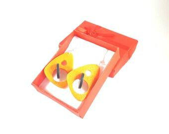Black and Tangerine earrings 3D