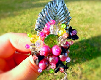 Beaded brooch, brooch with flowers, pink brooch, pin