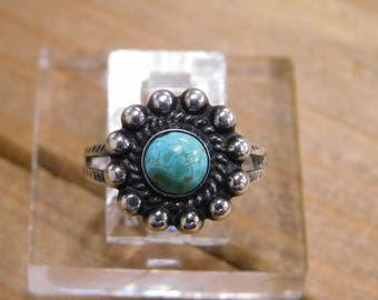Lovely Sterling Silver Turquoise Ring