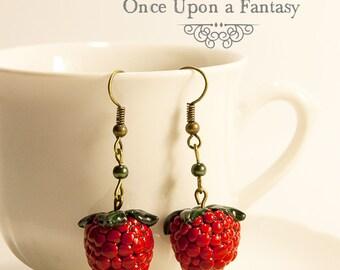 Earrings raspberry and green beads