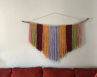 Yarn wall hang