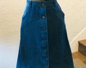 Vintage 1970s Knee-Length Denim Skirt with Pockets! Size XS