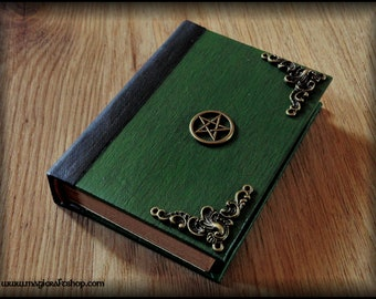 Charmed Book Of Shadows with pentacle symbol and blank pages - 11x8 cm