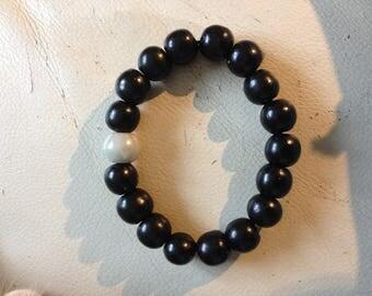 Trendy black us beads and Pearl stone bead bracelet