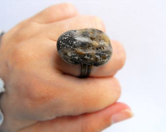 Organic stone ring eco friendly ring rock ring beach wedding ring bohemian stone rings natural pebble jewelry zen ring natural rock ring