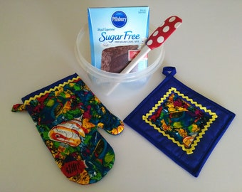 Quilted Angel Fish Oven Glove and Pot Holder Set, Oven Mitt, Ocean Decor, Nautical