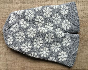 Mittens, size XS, gray, patterned, pure wool, double winter gloves, hand knit