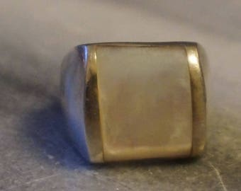 925 Silver Mother of Pearl Massive Ring,  size 6 ,3/4, 13.49 gram, stamped 925