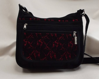 a shoulder bag m black fabric and Red lace