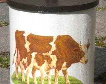 Box cylindrical, wood decor cow and calf