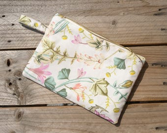 Cotton Accessory Zip Pouch/ Coins and Passport holder/ Makeup Purse/ Zipped Case/ Clutch/ Garden lovers/ Travel with style