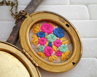 Embroidered Rose Locket Necklace - Rosette Garden Embroidery Pendant - Cloisonne Butterfly Locket Floral Roses Fiber Jewelry Gift For Her