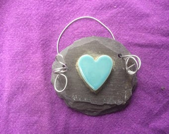 Cute ceramic heart on recycled slate unique handmade wedding favour which can be personalised