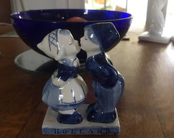 Delft Kissing Figurine From Holland