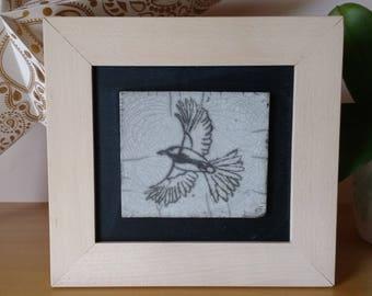 Tableau en céramique Raku - Oiseau en vol - Pièce unique fait-main
