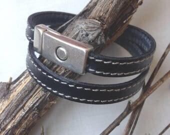 Bracelet double tour en cuir noir et fermoir aimanté