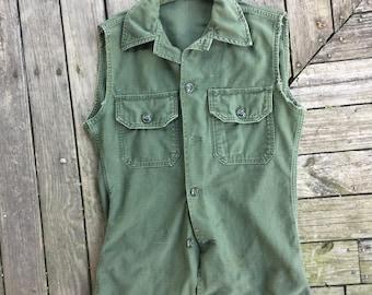 Mens small Vietnam era Army blouse