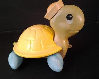 Vintage Pull along Turtle - Wobble legs - Kitsh -