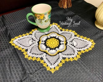 Crochet Floral Placemat - Pineapple Doily - Crochet Lace Doily - Wedding Gifts - Farmhouse Decor - Rustic Home Decor - Coffee Table Doily