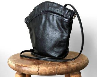 Vintage, Black, Leather, Made in Canada, Shell-Shaped, Metal-Framed, Shoulder, Bag, Purse