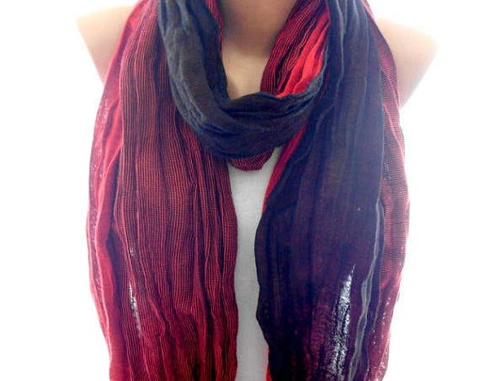 Red crinkle unisex scarf, scarves for her for him, cozy scarf, trendy scarf