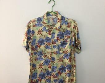 Nepuca Hawaiian Shirt/Nepuca Hawaiian Rayon Shirt/Hibiscus Motif/Size M