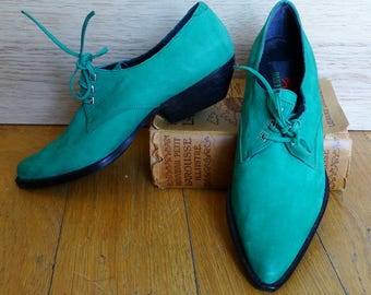 Womens green suede fall shoes size 7.5 emerald green leather lace up shoes pointy toe avant garde shoes vintage 90s size 38 US 7.5 Deadstock