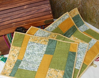 Quilted Place Mats, Set of 4 Place Mats, Green Place Mats, Gold Place Mats, placemats