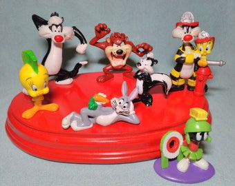 7 figures of characters from Looney Tunes rubber pvc from 1983 to 1996.