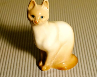 Russian porcelain figurine Siamese cat Porcelain figurine for collection Souvenirs from Russia miniature high quality