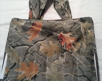 Leaf camo coloring tote.