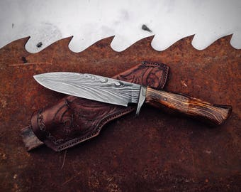 Feather Damascus knife