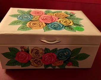 Amazing Vintage 1960'S Floral Dancing Ballerina Music Box Jewelry Box