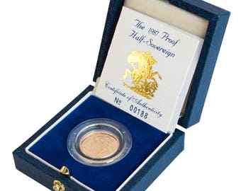 1987 Royal Mint Half Gold Proof Sovereign 30th Birthday present - Complete with box and certificate