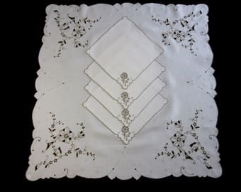 Vintage Cream Linen Embroidered Tablecloth, 4 Napkins, Luncheon Tablecloth,  Bridge Tablecloth U2013 33