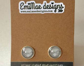 Gray lace detail stud earrings