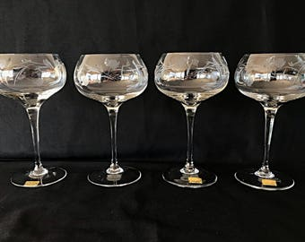 Four Crystal Wine Glasses for Chardonnay or Pinot Noir