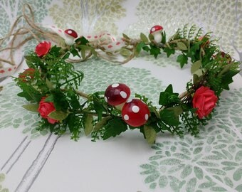 Fern crown, woodland headdress, leaf hair wreath, toadstools, forest circlet, woodland nymph, red roses, costume crown, forest hair garland