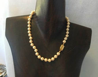 Top quality Monet simulated pearl necklace