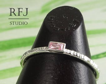 Minimalistic Textured Baguette Pink Diamond Silver Ring, Pink CZ Stacking Ring Lab Pink Diamond 3x1.5mm Baguette Cut Rectangle Gemstone Ring