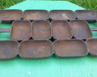 Vintage Primitive Cast Iron Mold Pan, Rounded Rectangular #9 Cast Iron Mold, 12 Slot Mold Tray, Rustic Farmhouse Country Decor
