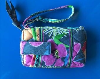 Vera Bradley all in one wristlet in Jazzy Blooms. Vera Bradley wallet. Retired pattern. Free Shipping!