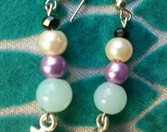 Earrings in silver with pastel pearls