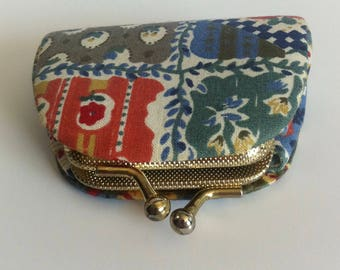 Vintage 1970's coin purse, patchwork pattern fabric, fantastic condition.