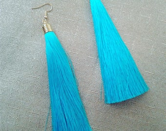 Party Girl Tassel Earrings [Blue]