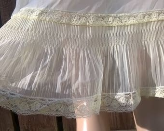 Vintage Deep Lace Slip Dress 1980's Yellow Nightgown Vintage Lingerie Full Slip 80's Semi-Sheer Full Slip Size Small/Medium